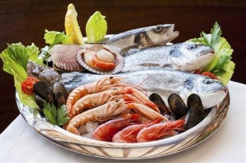 Nahrungsmittel mit Jod für eine gute Schilddrüsenfunktion