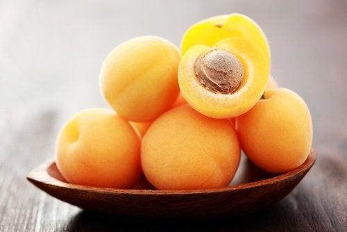 Gewicht verlieren und Aprikosen