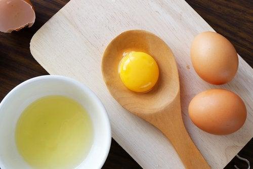 Eier für glänzendes und seidiges Haar