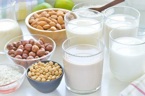 Gewichtszunahme in den Wechseljahren durch fettarme oder pflanzliche Milch vermeiden