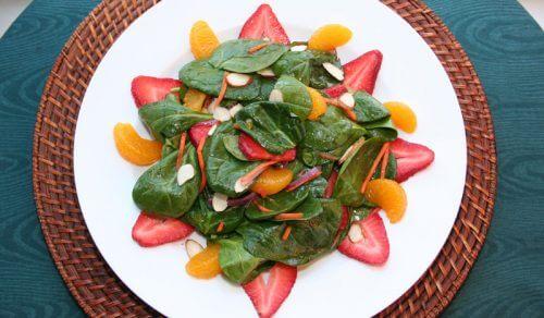 Mandarinen im Salat
