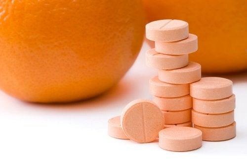 Die besten natürlichen Heilmittel gegen Flachwarzen: Vitamin C