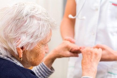 Einer der Vorzüge von Kurkuma ist die Prevention von Alzheimer.