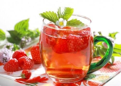 Detox-Getränke: Himbeer-Orangen-Wasser