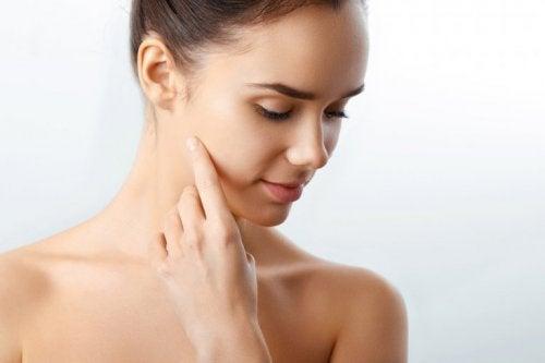 Falsche Hautpflege: du reinigst dein Gesicht nicht regelmäßig