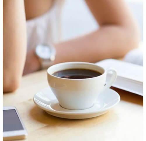 Getränke, die den Blutdruck erhöhen: Kaffee