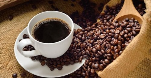 Kaffee auf nüchternen Magen vor dem Frühstück?