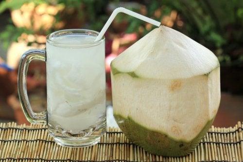 Kokoswasser und andere Heilmittel gegen Blasenentzündungen