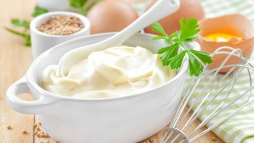 Mayonnaise enthält LDL-Cholesterin
