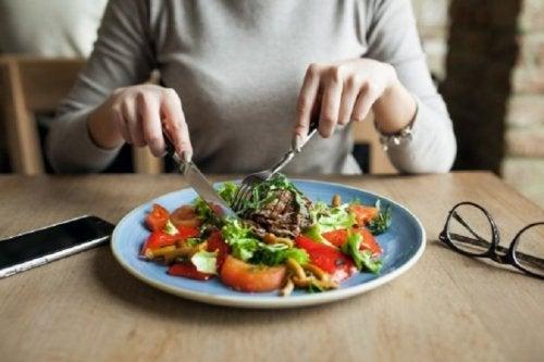 5 Mahlzeiten täglich für mehr Muskelmasse