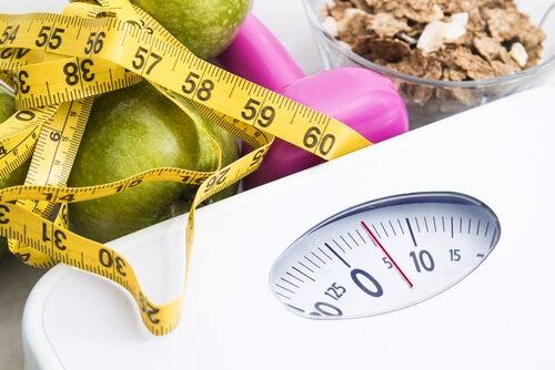 Gewichtszunahme im Alter vermeiden: 6 Tipps