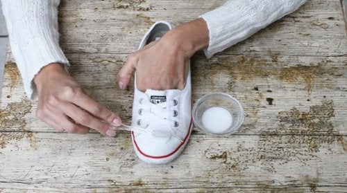 Natron für saubere Schuhe