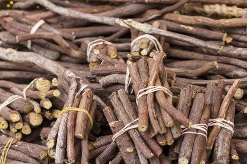 Süßholz gegen eine starke Monatsblutung