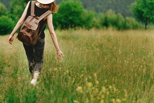Starke Frauen erlauben sich, die Einsamkeit zu lieben