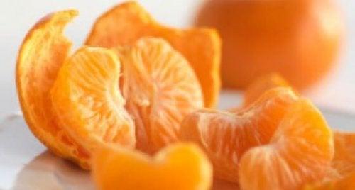 Mandarinen zu essen versorgt dich mit Vitamin C