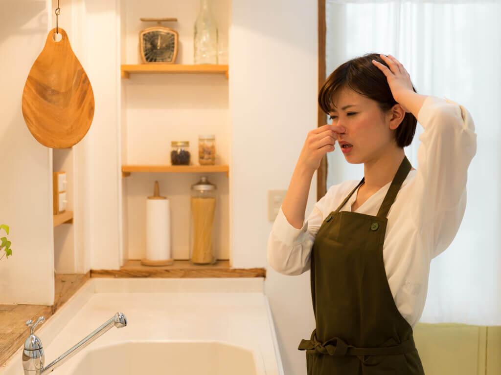 10 Tipps, mit denen du schlechte Küchengerüche loswerden kannst