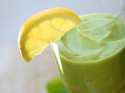 Naturheilmittel mit Avocado zur Entgiftung des Körpers