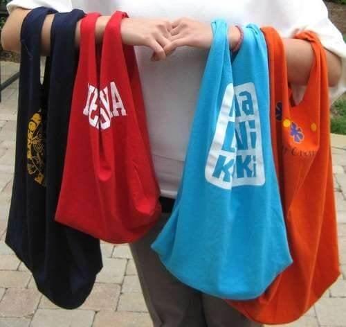 9 tolle Arten alte Baumwollshirts zu recyclen - Einkaufstaschen