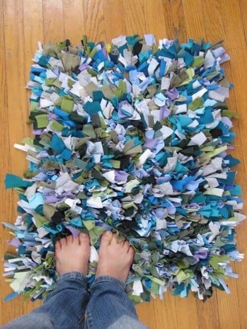 9 tolle Arten alte Baumwollshirts zu recyclen - Teppiche