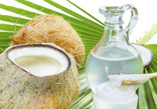 Bekämpfung von Haarausfall durch Kokoswasser