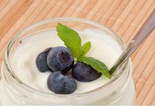 Joghurt kann bei einer gestörten Darmflora helfen