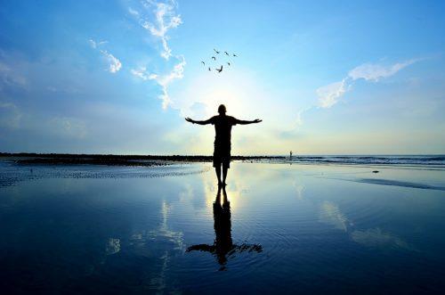 Akzeptanz hilft dabei, mit emotionalem Schmerz umgehen zu können.