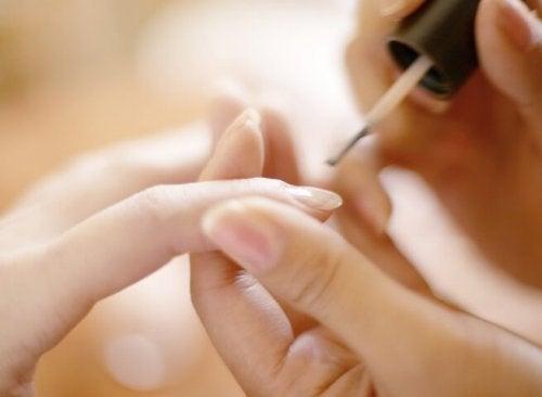 Was Die Lunula Deiner Nägel über Deine Gesundheit Aussagt