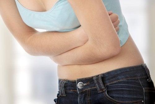 Darmparasiten loswerden, die zu Bauchschmerzen führen