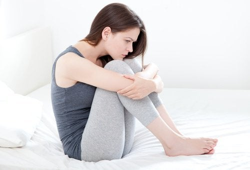 Frauen können sich durch ihre schmerzhafte Periode entkräftet fühlen