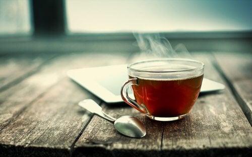 Bronchitis natürlich behandeln mit Tee