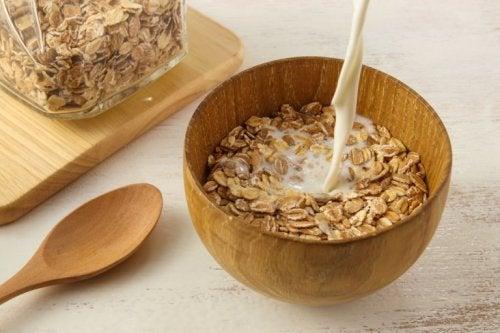 Porridge mit Hafer und Milch