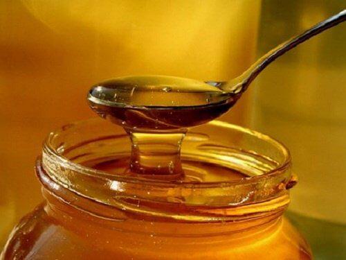 Honig als Hausmittel für Kinder