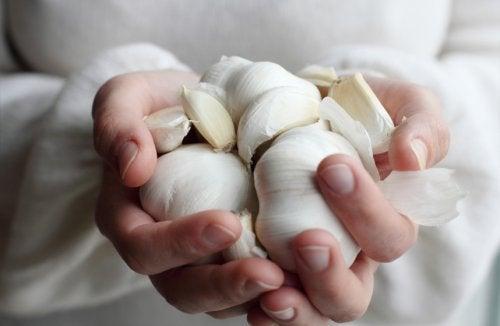 Schlechte Küchengerüche loswerden und Hände reinigen