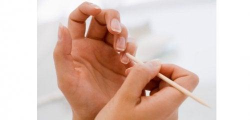 Kokosöl für kosmetische Anwendungen: Nagelpflege