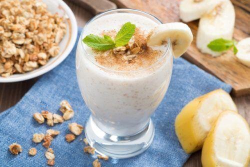 Shake mit Joghurt und Mandeln für ein besseres Gedächtnis