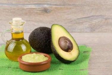 Hafer, Mandelöl und Avocadokerne gegen Cellulite