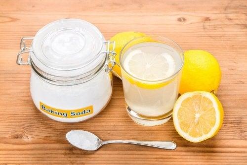 Entzündungshemmende Mittel: Natron und Zitrone