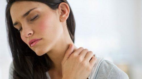 9 einfache Übungen gegen Nackenschmerzen