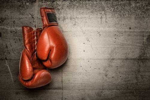 Erziehe gesunde Kinder Boxhandschuhe