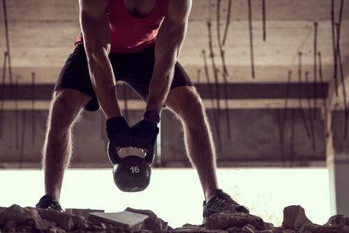 Gewichtheben kann zu Leistenbruch führen