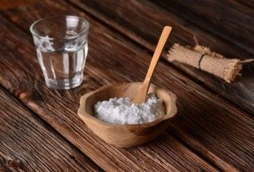 6 natürliche Heilmittel gegen Zahnfleischentzündung - Backpulver