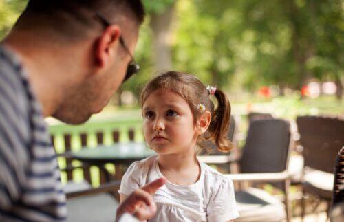 Erziehe gesunde Kinder: Lass deine Frustration nicht an ihnen aus