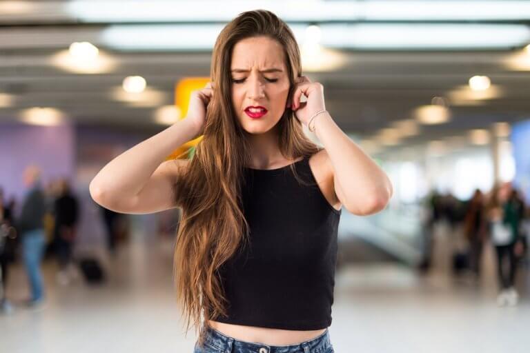 Ohrensausen: Ursachen und Behandlungsmöglichkeiten