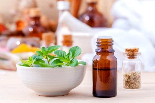 Oregano-Öl gegen Nagelmykose