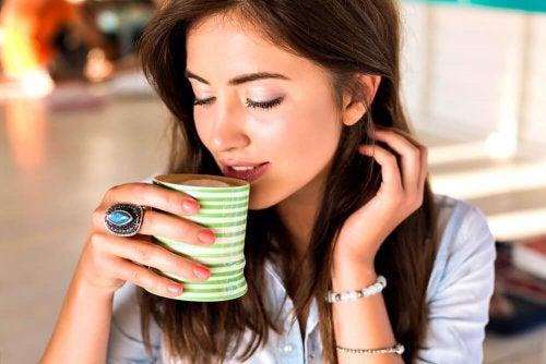 Die besten Tees zum Entwässern