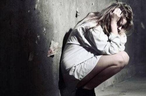 Toxische Wörter bringen Frau zum Verzweifeln