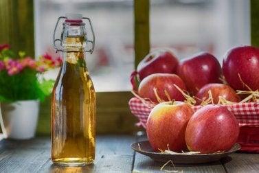 Apfelessig gehört zu Lebensmitteln, die deinen Intimbereich schützen.