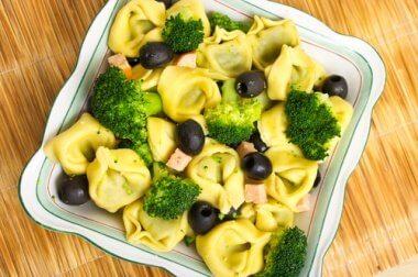Brokkolisalat,um die Blutplättchenanzahl natürlich zu erhöhen