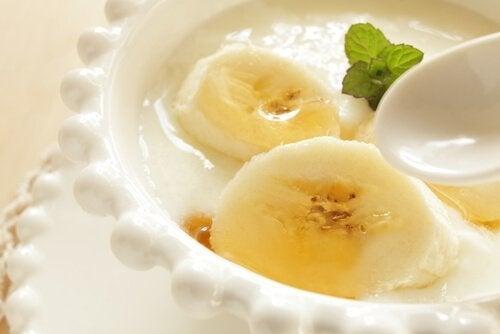dieses Frühstück schmeckt: veganer Bananen-Joghurt