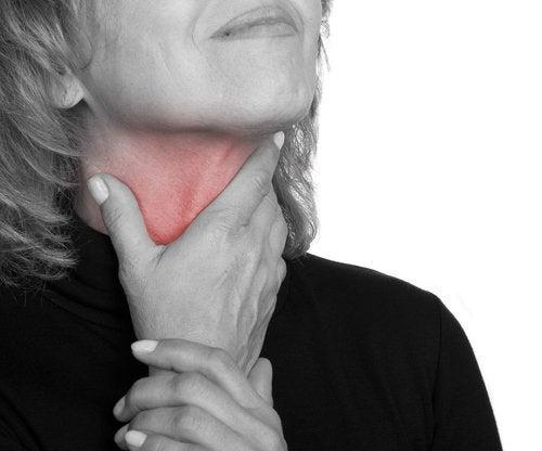 erste Anzeichen für Krebs im Hals